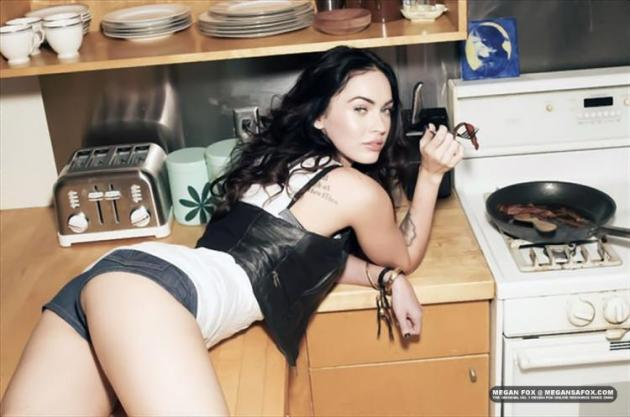 normal_megan-fox-rsout-01212